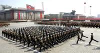 Corea del Norte arranca con un desfile militar el 105º aniversario de su fundador
