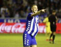 El Villarreal tropieza ante el Alavés (2-1)