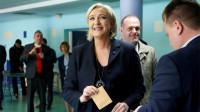 Macron y Le Pen cierran el pase a una anómala segunda vuelta