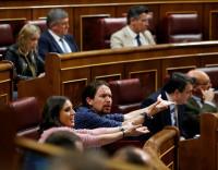 La moción de censura de Podemos sólo suma a Compromís