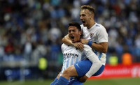 El Málaga aparta al Sevilla de la pelea por la tercera plaza