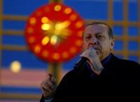 Erdogan habla con líderes de Qatar, Rusia, Kuwait y Arabia Saudí para rebajar tensiones en la crisis