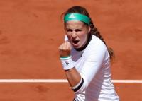 Ostapenko vence a Wozniacki y se cita con Bacsinzky en la primera semifinal