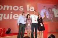 Ovación para Pedro Sánchez a su llegada al Plenario