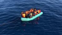 Salvamento Marítimo rescata a 423 personas en 17 pateras en las últimas horas