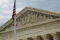 El Supremo admite a trámite el recurso de Trump contra la suspensión del veto migratorio