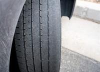 Conoce las consecuencias de conducir con una presión inadecuada en los neumáticos