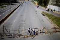 Barricadas en Caracas en el inicio de las protestas opositoras