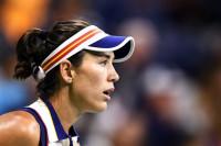 Muguruza se queda sin final en Tokio al caer ante la danesa Wozniacki