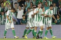 El Betis acaba con el invicto Levante y se mete en puestos europeos (4-0)
