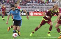 Uruguay acaricia el billete a Rusia y Brasil firma un empate intrascendente en La Paz
