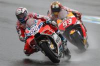 Dovizioso se impone a Marc Márquez en Motegi y aprieta el Mundial de MotoGP