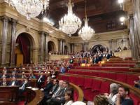 El Parlament catalán declara la independencia