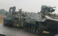 El Ejército de Zimbabue asegura que actúa contra