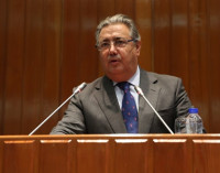 Zoido equiparará salarios de Policía y Guardia Civil