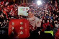 Marc Márquez celebra a lo grande en Cervera su sexto título mundial