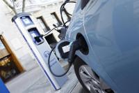 La venta de coches eléctricos e híbridos de segunda mano aumenta un 18% en el último año