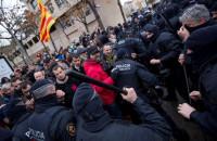 Cargas policiales ante el Museu de Lleida durante la operación Sijena