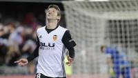Un 'hat-trick' de Vietto lleva al Valencia a cuartos de final