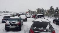 Prepárate para conducir con nieve y lluvia con estas recomendaciones