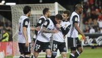 El Valencia se levanta con polémica y Rico anima al Sevilla