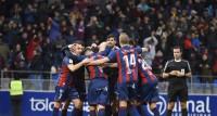 El Huesca responde como líder y el Rayo se apunta a la lucha del ascenso directo