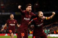 Messi se estrena ante el Chelsea y salva al Barça