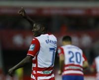 Adrián Ramos coloca tercero al Granada y Oviedo y Numancia pierden