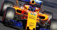 Ricciardo mete al Red Bull en la pomada y Alonso vuelve a verse frenado por su McLaren