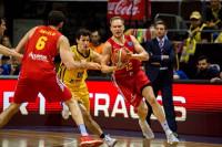 UCAM Murcia desarma al campeón y avanza a cuartos