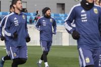 Messi vuelve a entrenar con Argentina y podría jugar contra España