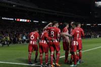 El Atlético aprovecha los errores del Sporting para acercarse a semifinales