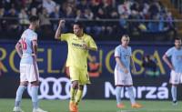 El Villarreal afianza Europa y Anoeta disfruta a costa del Athletic