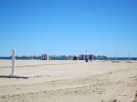 Mapfre participará en la limpieza de las playas de Valencia y Alicante durante los próximos días