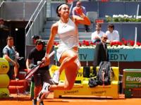 Carla Suárez cae en Madrid en su muro de cuartos de final