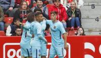 El Sporting se aleja del ascenso directo, Valladolid y Osasuna apuestan por el 'play-off'