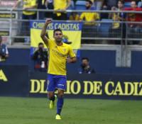 El Cádiz pone fin a su mala racha ante el Zaragoza y se sitúa en 'playoff'