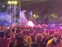 Miles de colchoneros se reúnen en Neptuno para celebrar el título del Atleti