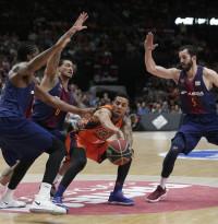 Hanga tapona el ascenso del Valencia