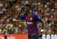 Dembélé y el VAR hacen líder al Barcelona