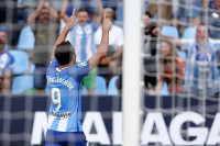 El Málaga sigue firme en el liderato y el Zaragoza brilla en el Tartiere