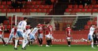El Real Zaragoza abandona los puestos de descenso tras remontar en Tarragona