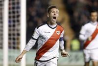 Embarba brinda la primera victoria a Vallecas