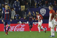 El Levante alcanza Europa y hunde más al Athletic