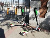 Lime retira sus patinetes de las calles de Madrid para adaptarlos