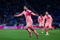 Messi sube de tono barriendo al Espanyol