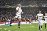 El Sevilla acelera a tiempo para pasar a dieciseisavos