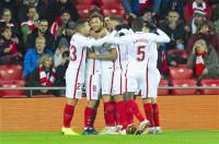 El Sevilla triunfa en San Mamés y el Betis no puede con la Real Sociedad en la ida de octavos