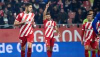 El Alavés suma contra Stuani y el Valencia sigue su calvario
