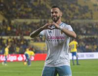 Las Palmas y el Zaragoza empatan y no se acercan a la zona 'playoff'